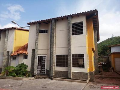 Townhouses En Venta 04166437900