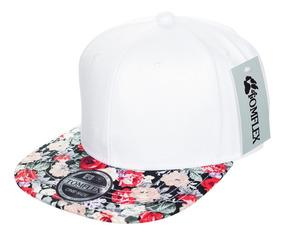 f42a8057b9 Boné Feminino Floral Branco Aba Reta Snapback Com Regulagem
