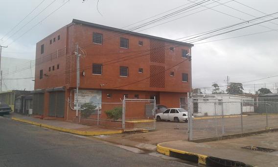 Edificio Residencial Para Alojamiento En Habitaciones Vip