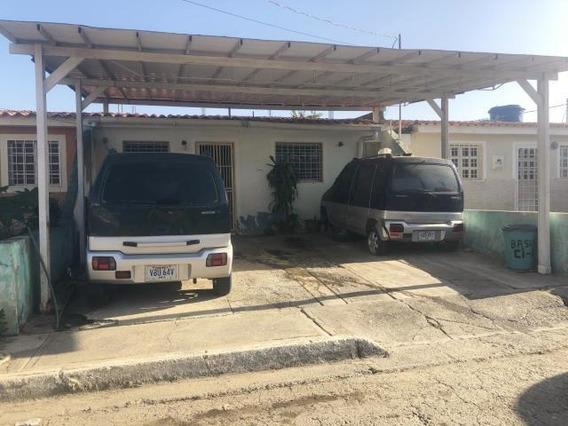 Casa En Venta La Montañita Cabudare Lara 20-3659