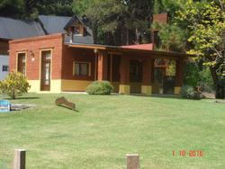 Cabañas Rukalafken Equipadas,cochera Techada,amplio Parque.