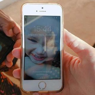 Célula Smartphone Ifhone 5s Muito Novo