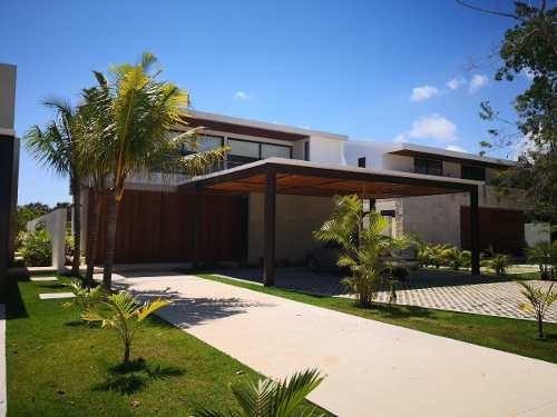 Casa En Venta En Cancun En Lagos Del Sol $13,900,000