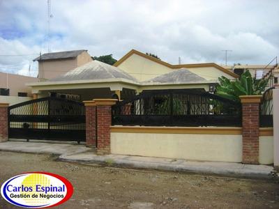 Casa Amplia 3 Hab. 2 Baños En Higuey, República Dominicana