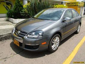 Volkswagen Bora Prestige 2.5 At Sedan