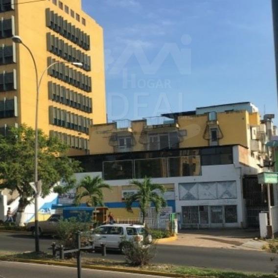 Local Comercial En Edf. Trinidad, Castillito