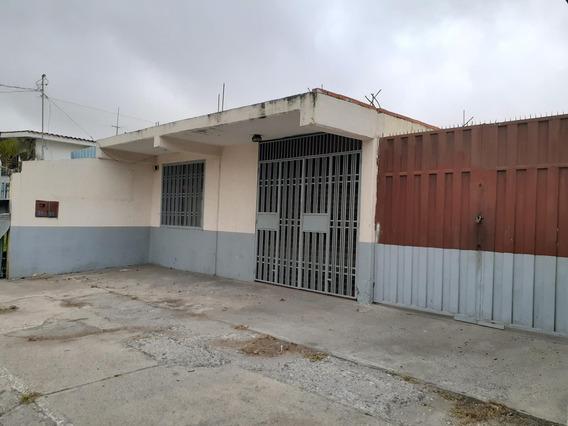 Ivan C Alquila Local En El Centro 19-17696