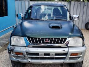 Mitsubishi L200 Precio 275,000