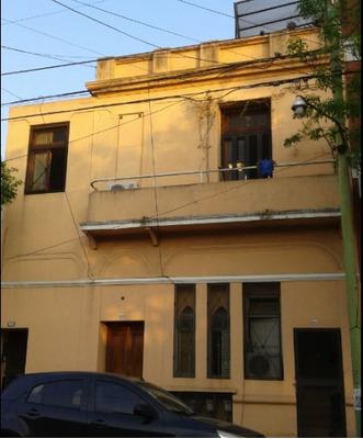 Tipo Casa 2 Ambientes Frente Con Patio, Balcon Y Terraza