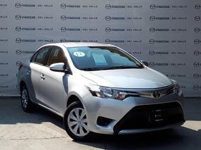 Toyota Yaris 2017 Sd Core Cvt Plata Metálico (388)