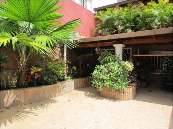 Se Vende Casa 700m2 4h+s/4b+s/4p Los Palos Grandes
