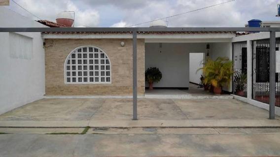 Casa En Venta Norte De Barquisimeto #20-3347 As