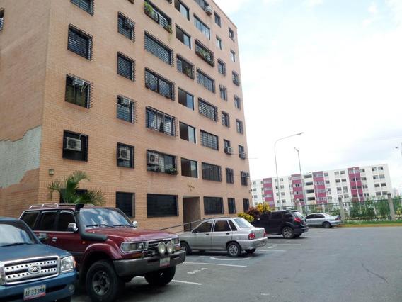 En Venta Apartamento En Urbanismo Estrategico.cod 20-3943 Sh