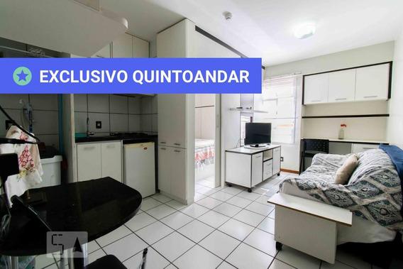Studio No 1º Andar Mobiliado Com 1 Dormitório E 1 Garagem - Id: 892893136 - 193136