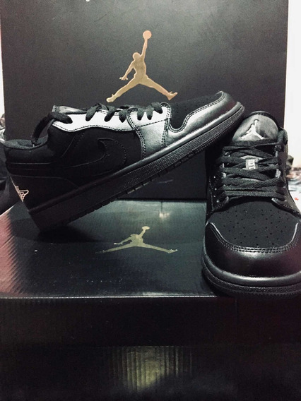 Tennis Jordán Retro 1 Low Black