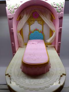Barbie Princesa De La Isla Cama/ Tocador