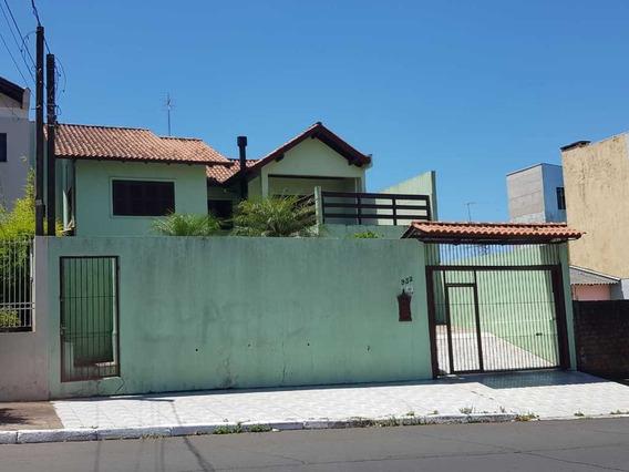 Casa Em Igara Com 3 Dormitórios - Rg4403