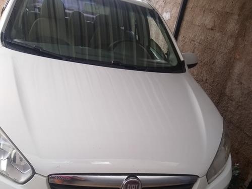 Imagem 1 de 8 de Fiat Grand Siena 2013 1.6 16v Essence Flex 4p