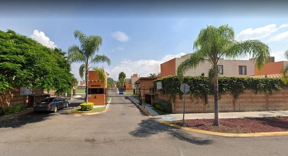 Casa En Venta En Puerta Real Qrto. Mq