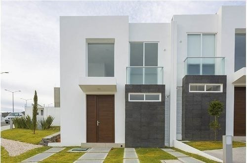 Preciosa Casa En Zibatá, Alberca, 3 Recámaras, Jardín, Golf, Premium!