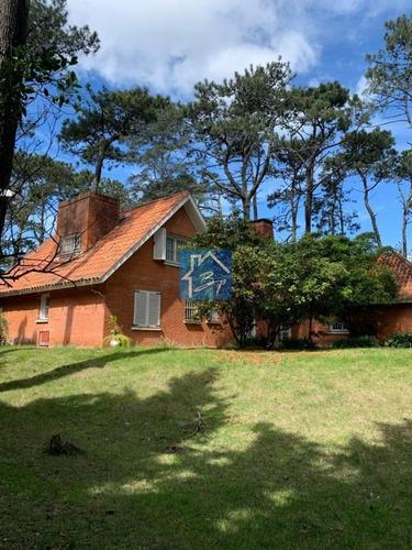 Casa En Parada 17 Playa Mansa, Punta Del Este- Ref: 1119
