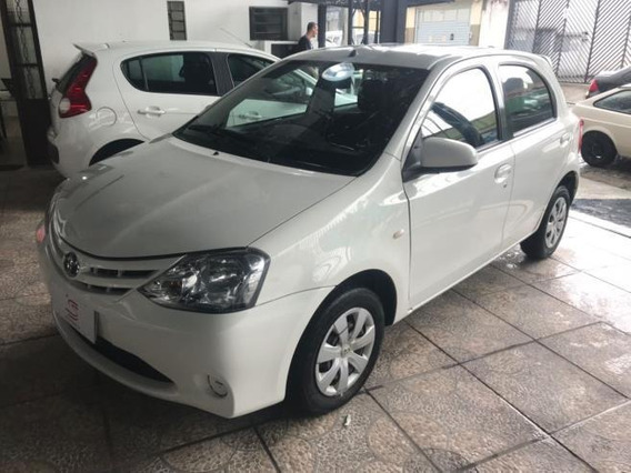 Etios Hatch Etios Xs 1.5 Flex Manual 2016