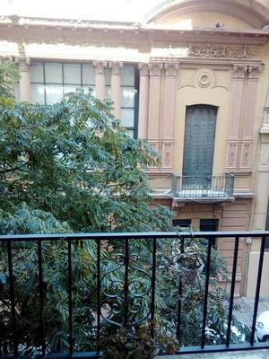 Semipiso De Estilo Frente Balcon Cochera