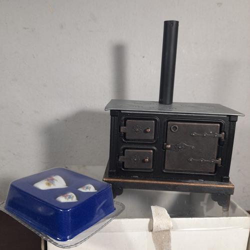 Imagem 1 de 7 de Deagostini Casa Vitoriana Fogão A Lenha Metal Com Caixa