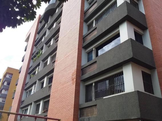 Apartamento En Alquiler En El Parque 20-21006 Rg