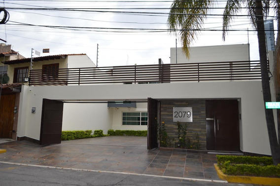 Ubicadísima Casa En Renta - Country Club