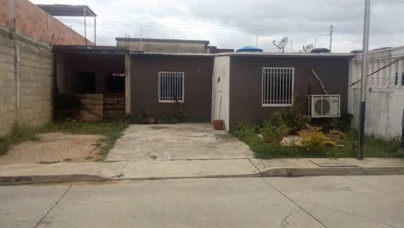 Venta Casa En Paraparal, Buenaventura De 162 Mts2, 3h,2b,2e