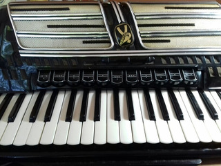 Acordeon A Piano Hohner Atlantic