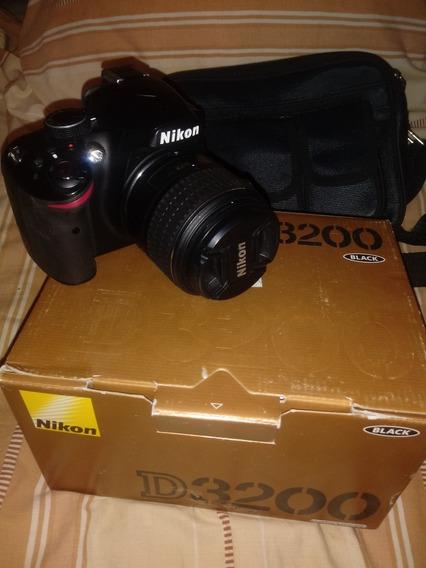 Nikon D 3200 Con Trípode Marca Kodak