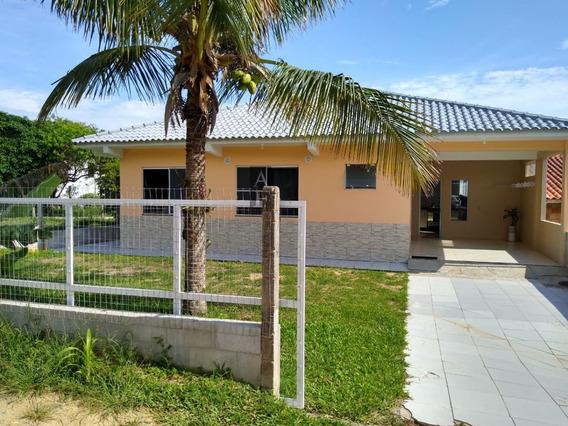Casa A Venda No Bairro Areias De Macacu Em Garopaba - Sc. - Kv636-1