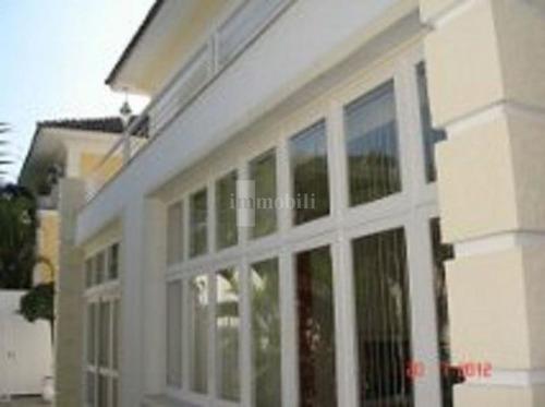 Imagem 1 de 15 de Casa Assobradada De Frente Para O Parque Ibirabuera. Confira!!! - Ze18989