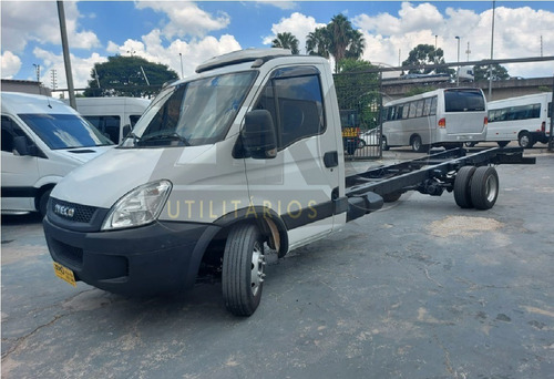 Iveco Daily 70c17 2013 Chassi