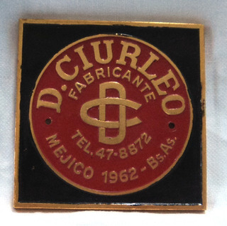 Antigua Placa De Cocinas D. Ciurleo De Metal Esmaltada.