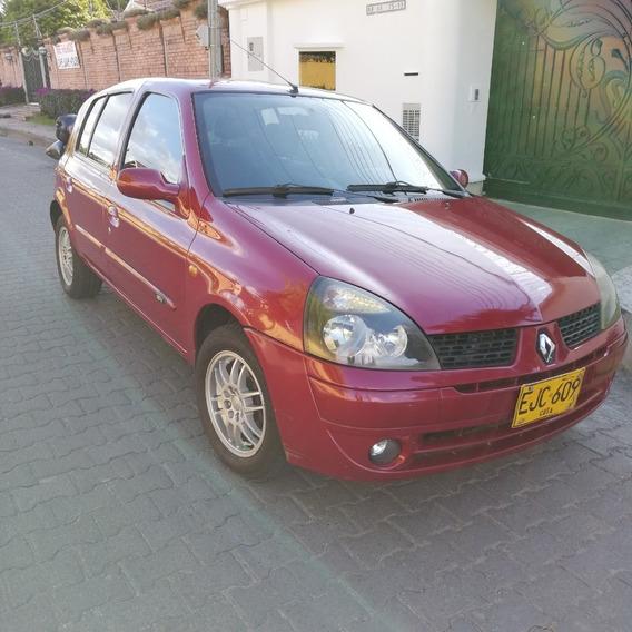 Renault Clio, Motor 1400, Color Rojo, Año 2003, 126.000 K