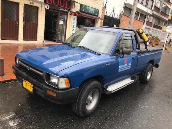 Toyota Hilux De Platon