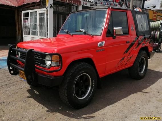 Mitsubishi Montero 2.6 Lona Carpado