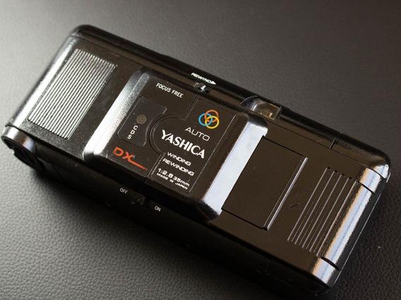 Câmera Fotográfica Analógica Yashica M616