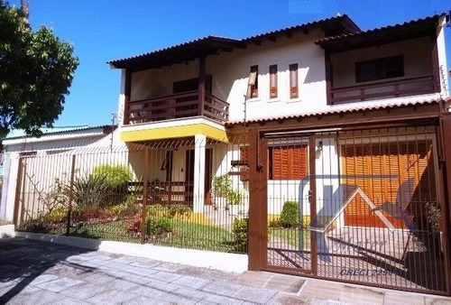 Casa Em Cavalhada Com 4 Dormitórios - Mt1465