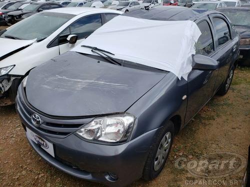 Sucata De Toyota Etios Sedam 1.5 - Motor Câmbio Peças Usadas