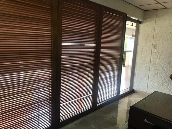 Oficina En Venta La Lago Maracaibo