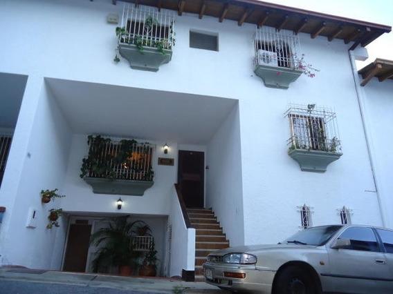 Linda Casa En Venta Lomas De Prados Del Este 0212-9619360
