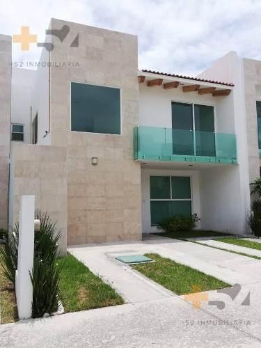 Casa En Venta En Cluster Vista Marques Lomas De Angelópolis Ii