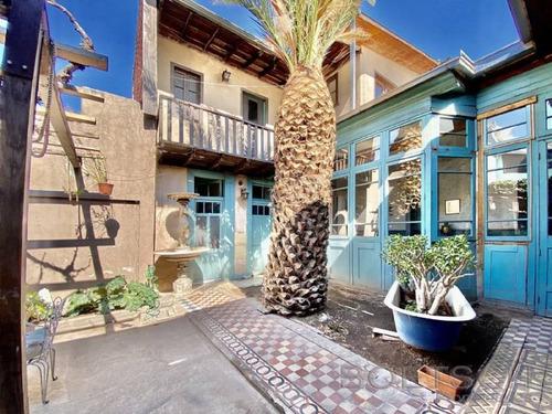 Imagen 1 de 16 de Casa Patrimonial / Barrio Bellavista