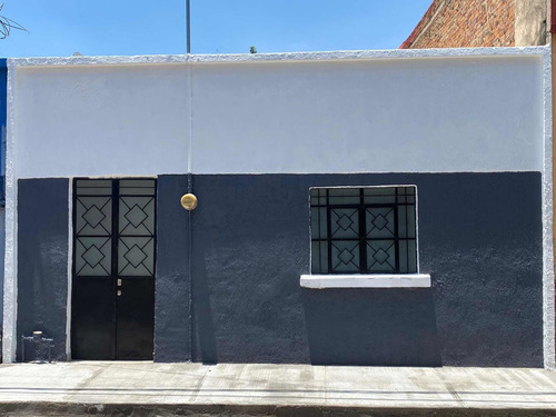Imagen 1 de 1 de Casa Mezquitan Country, Calle Tepic, Recién Remodelada