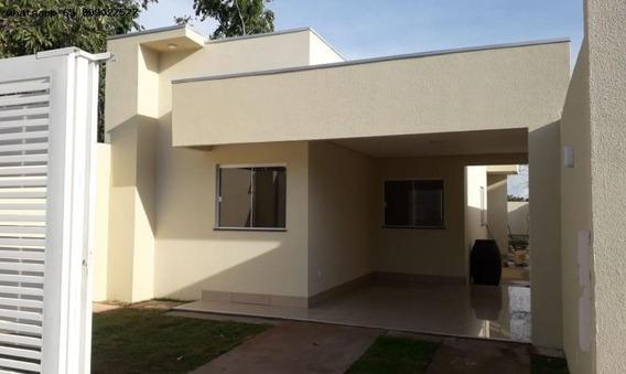 Casa Para Venda Em Cuiabá, Jardim Universitário, 3 Dormitórios, 1 Suíte, 2 Banheiros, 1 Vaga - 389_1-1359309