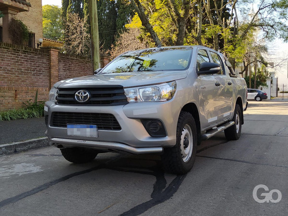 Toyota Hilux 2.4 Tdi 4x4 Doble Cabina 6mt 2016 Gris